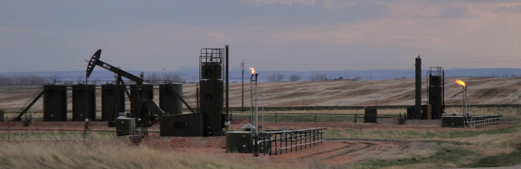 North Dakota S Bakken Oil And Gas Field Leaking 275 000