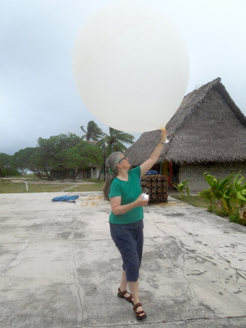 Kiritimati Island balloon launch, March 2016 during ENRR