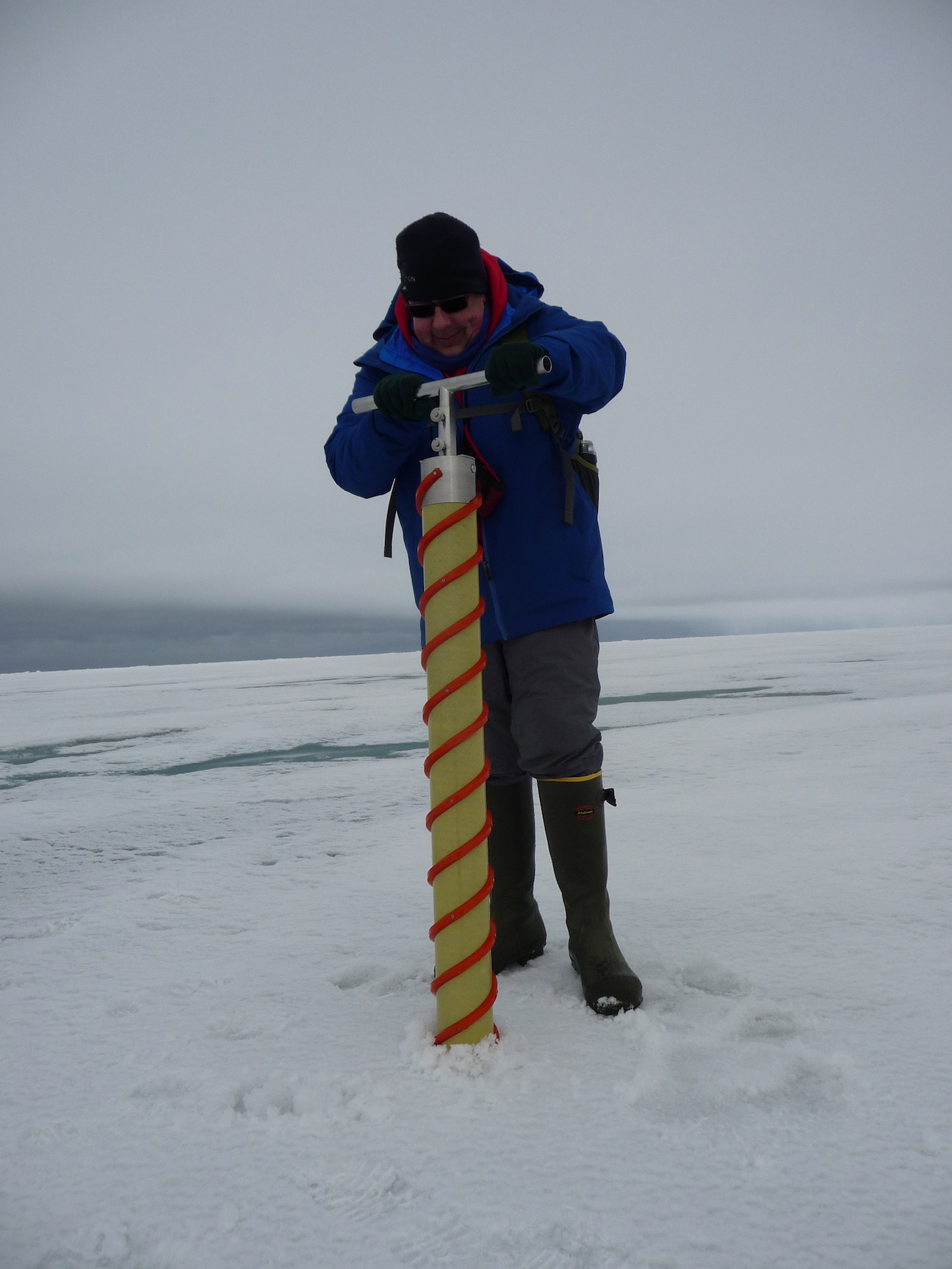 Drilling an ice core