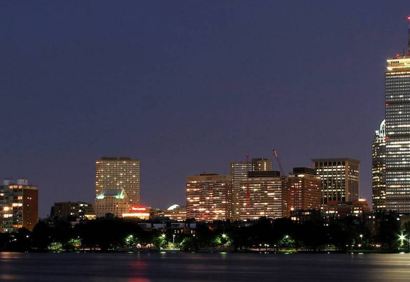 lighted-up-city-of-boston-massachusetts-at-night