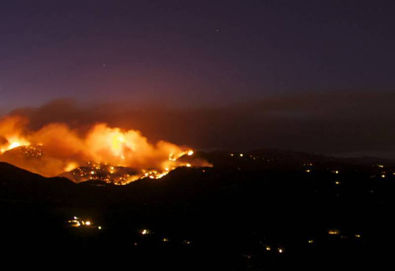 panorama of the Fourmile Canyon fire above Boulder, Colorado